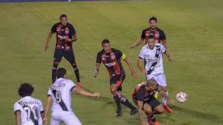 Vitória arranca empate contra a Ponte Preta no Moisés Lucarelli