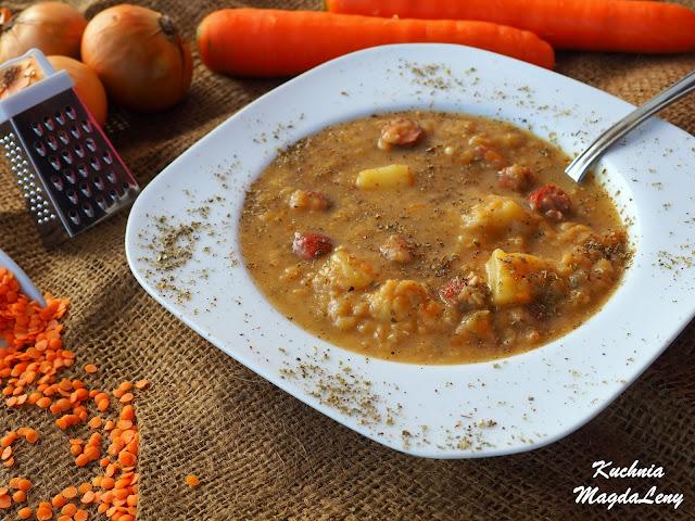 Zupa z soczewicy z frankfurterkami