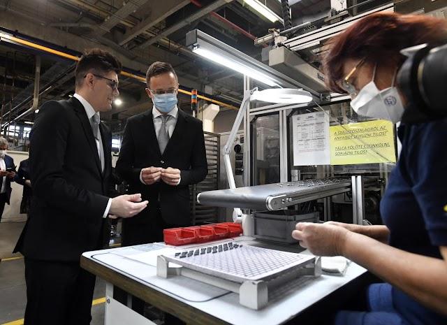 Szijjártó Péter: Nógrádban 3250 munkahelyet véd meg a kormány versenyképesség-növelő programja