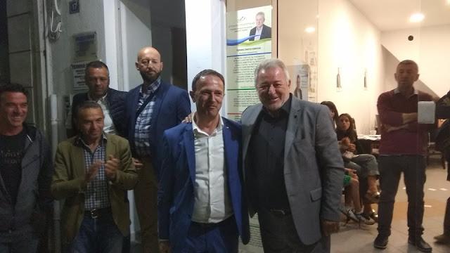 Στο εκλογικό κέντρου του Λώλου ο Γιάννης Γόγολος (ΒΙΝΤΕΟ)
