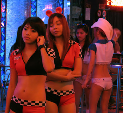 sexy pick up girls from Soi Cowboy 7