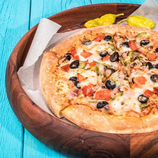 بيتزا خضار سهلة وهشة