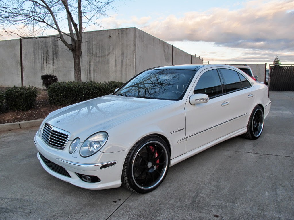 mercedes w211 e55 amg renntech white on black benztuning. Black Bedroom Furniture Sets. Home Design Ideas