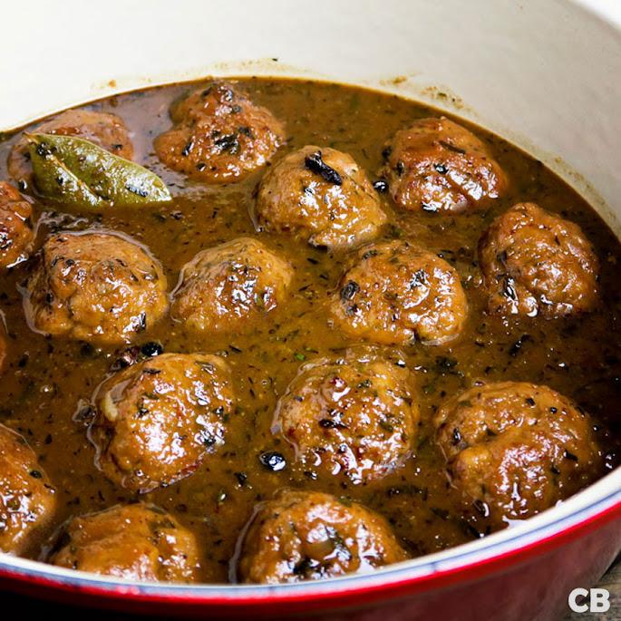 Recept Kruidige gehaktballen in een saus met oud bruin bier