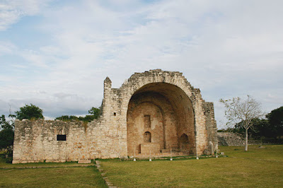 Colonists' religious architecture influenced by Maya traditions