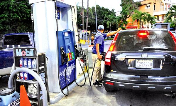 Bajan RD$1.80 y RD$1.50 las gasolinas, GLP sube RD$1.00