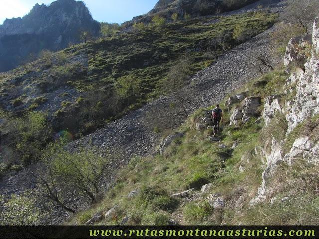 Senda del Cartero, Peña Salón y Sedo Vibolines: Atravesando ladera