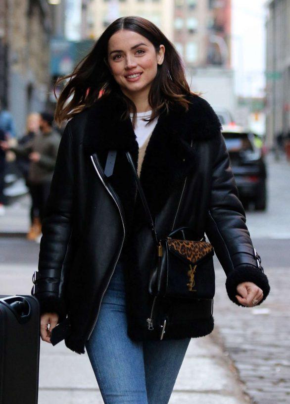 Ana de Armas latest cute photos in denim jeans
