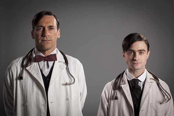 Daniel-Radcliffe-Jon-Hamm-protagonizan-A-Young-Doctors-Notebook-Film-Arts