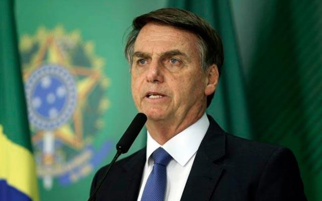 Bolsonaro usa conta no Twitter para divulgar calculadora da 'Nova Previdência'