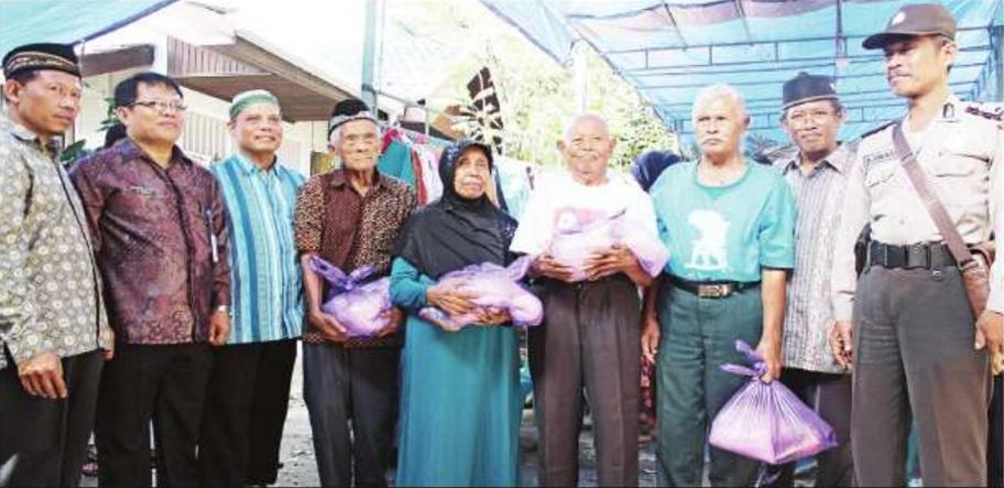 LDII dan Yayasan Etam Bagi Paket Sembako