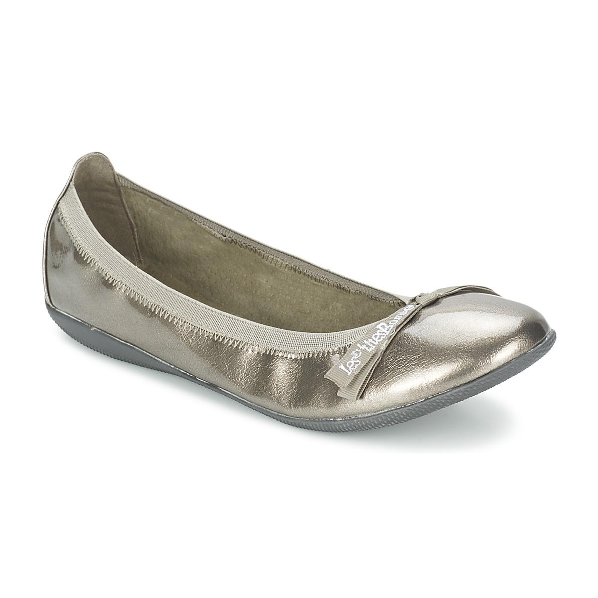 91e4fb299b2d Αρχίζεις και κοιτάς τις βιτρίνες πια για παπούτσια πόλης και για το  καλοκαίρι για άνετα πέδιλα. Όμως σιγά-σιγά παυει να σε νοιάζει. Έχεις την  ευκαιρία να ...
