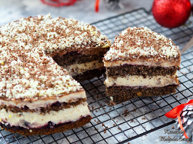 Tortowe ciasto makowe z kremem budyniowym