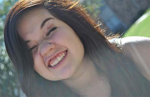 halka smiley piercing