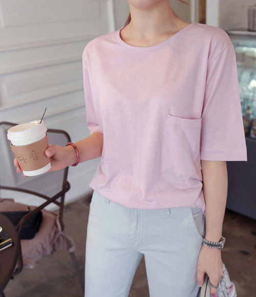 One Pocket Round Neck T-Shirt