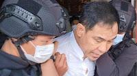 MUNARMAN EXS FPI DI TANGKAP DENSUS 88 TERKAIT JARINGAN TERORIS