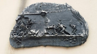 placa dels Herois de 1811 a la Plaça dels Infants