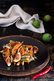 patate dolci con cipollotti, fichi e peperoncino