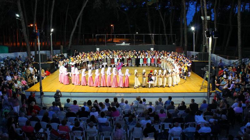 Μαθήματα Χορού στο Εργαστήρι Παραδοσιακών Χορών και Λαογραφικών Μελετών Αλεξανδρούπολης