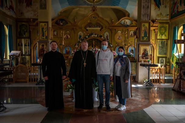 Добровольцы кинокомпании «Союз Маринс Групп» проехали по крымским монастырям и храмам с рабочим визитом