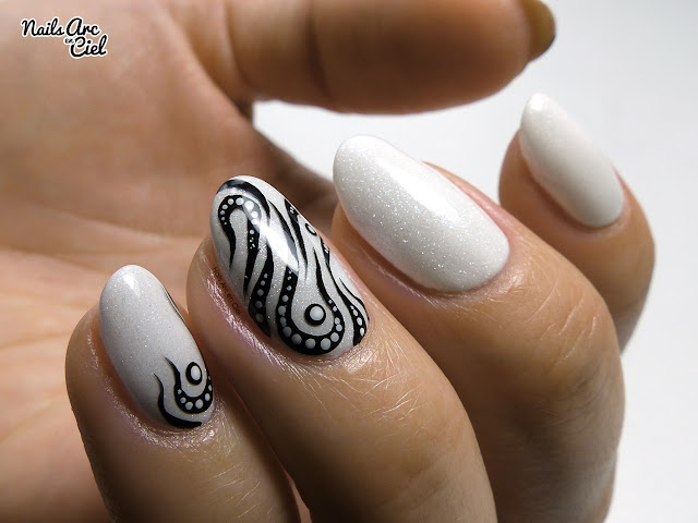 Nail Art - Tribal abstrait façon tatouage facile par Nails Arc en Ciel