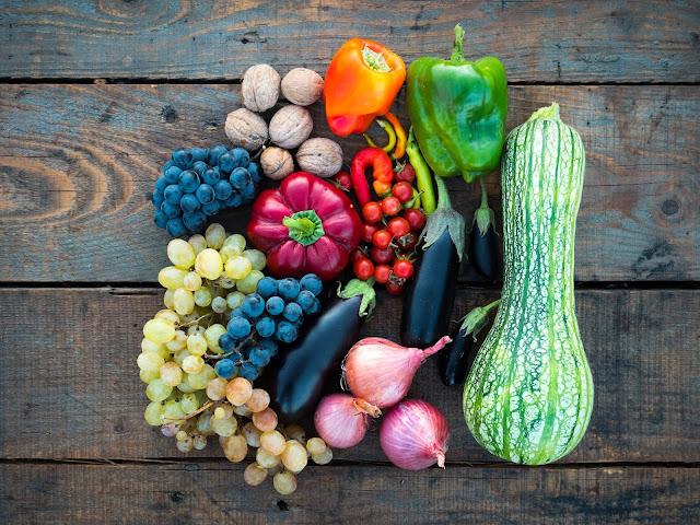 fruit and veg: Photo by Dan-Cristian Pădureț on Unsplash
