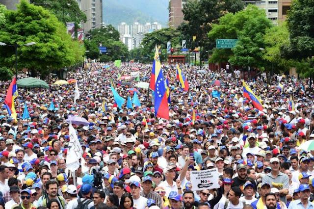 Guaidó convocó masiva movilización para el 24Oct