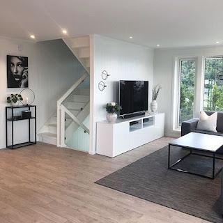 ruang keluarga menyatu dengan ruang tv dan ruang tamu