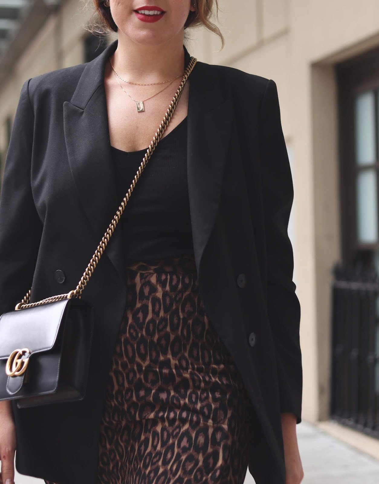 le chateau leopard skirt outfit vancouver blogger fall outfit
