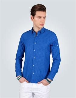 mavi gömlek kombini