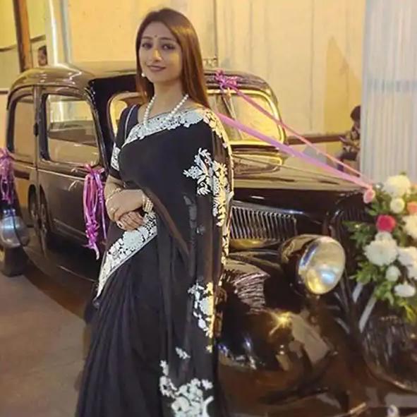 ग्लैमरस अंदाज को अलविदा कह चुकी हैं Mohena Kumari Singh