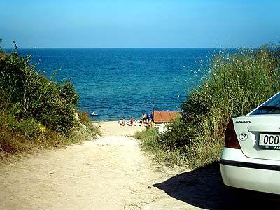 Пляжное матрасничанье на море дополняют активные маршруты.