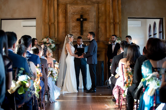 wedding ceremony at the howey mansion
