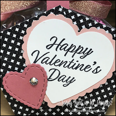 Make this quick and easy Valentine's Day project...perfect for giving treats to your gal pal, teachers, or co-workers!