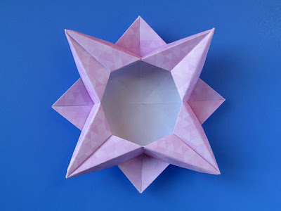 Origami, vista dall'alto: Scatola a stella 4 - Star box 4 © by Francesco Guarnieri