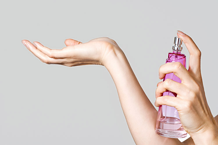 Dicas de como aplicar perfumes