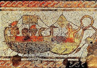 Más fenicios montados en un barco