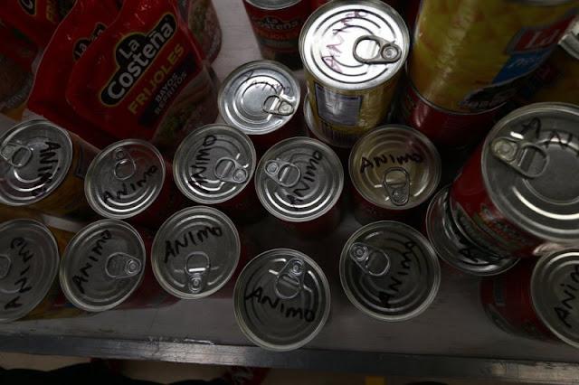 Al menos 20 toneladas de donativos para damnificados del sismo fueron arrumbadas en Coahuila.