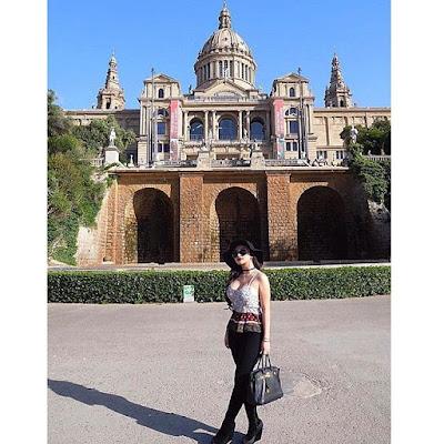Foto Cantik dan Seksi Ariel Tatum Saat Liburan Keliling Eropa