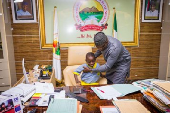 7-year-old-boy-acts-as-governor-of-Ekiti-state-11