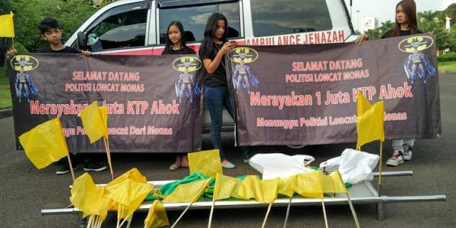 "Sejuta Data KTP Dukungan Ahok Terkumpul, ""Batman"" Tagih Janji Habiburokhman Terjun dari Monas"