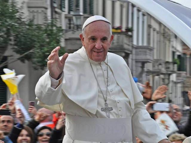 40 Ribu Orang Ikuti Misa Bizantium Bersama Paus Fransiskus di Slovakia.lelemuku.com.jpg