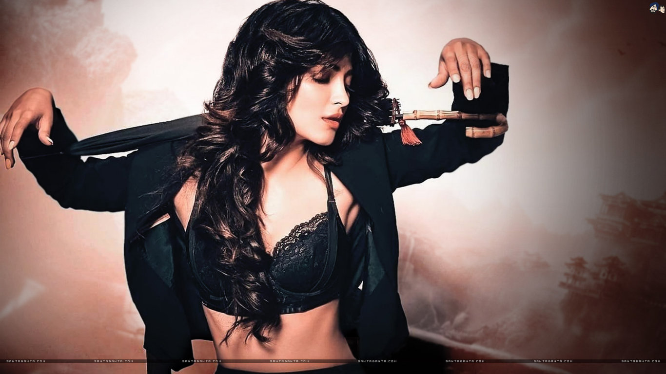 Shruti Hasan Hot HD Wallpaper