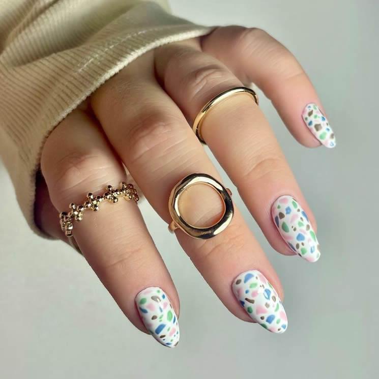 Terrazzo manicure decor 2