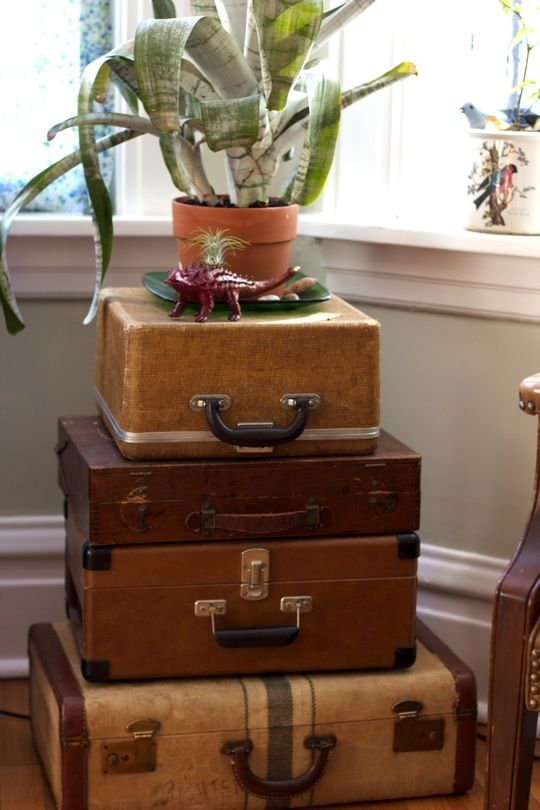 Auction Decorating: Vintage suitcases and trunks as