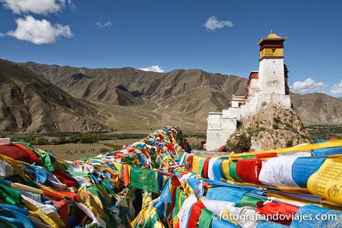 Templo de Yumbulagang en Tibet