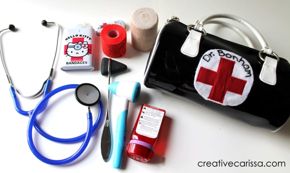 How to make a toy doctor kit with items you have at home