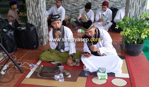 NASYID : Penampilan Nasyid yang memukau (13/4). Foto Asep Haryono