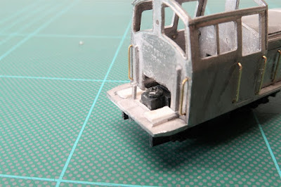 Fitting a chassis to the Five 79 Conway Castle kit.