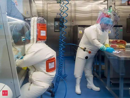 """Ex capo CDC """"il Coronavirus è scappato dal laboratorio cinese"""""""